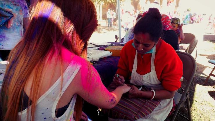 henna distraction